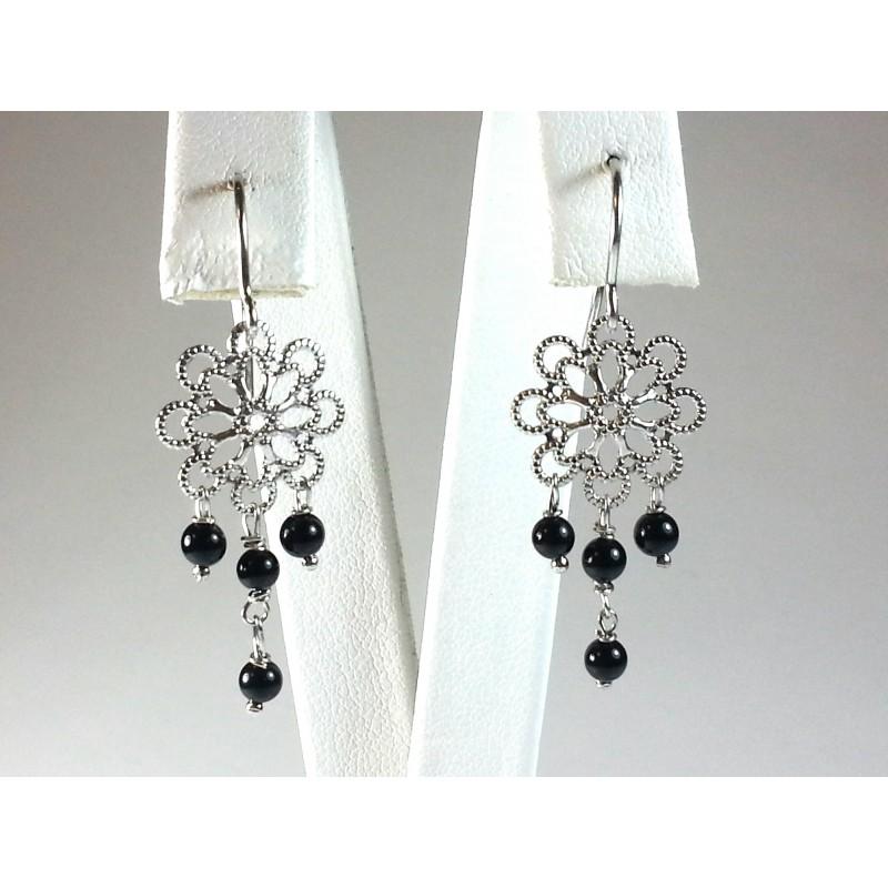 Orecchini tipo filigrana in argento e pallini di afgata nera