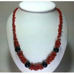 Collana intrecci di corallo argento e agata nera