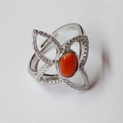 """Anello """"Farfalla stilizzata"""" in argento con zirconi e spola corallo"""