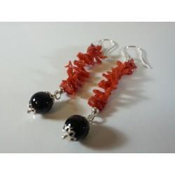 Orecchini argento, corallo e agata nera